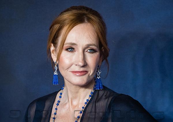 J.K. Rowling Penulis Novel Harry Potter